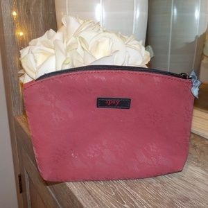 🛍IPSY MAKEUP BAG 💫red lace with black zipper